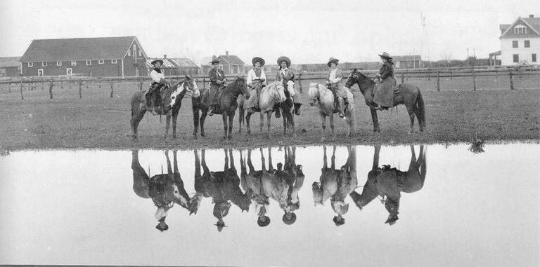 cowgirls-48879-45819.jpg