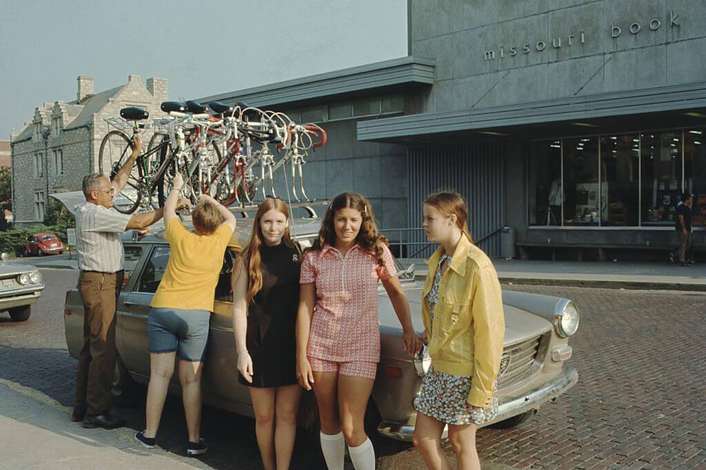 nostalgic-1960s-family-trips