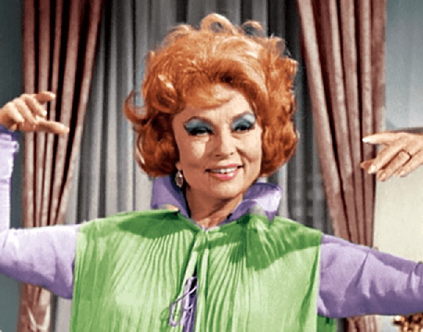 kasey-rogers-in-bewitched-47348-74084.png