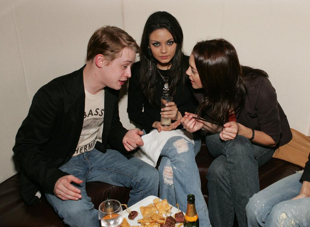 mila-kunis-macaulay-culkin-dating