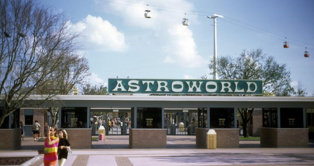 astrowolrd-22409.jpg