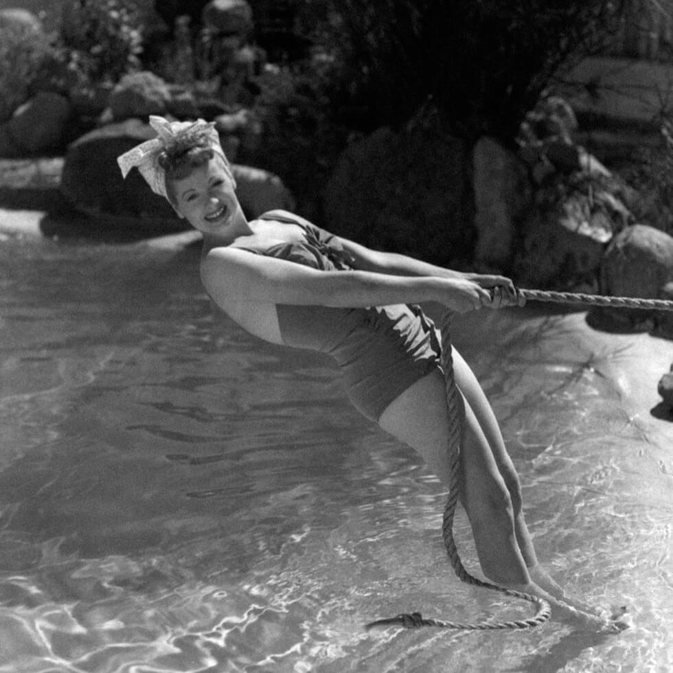 lucille-ball-1935-swimsuit-43703-64611.jpg