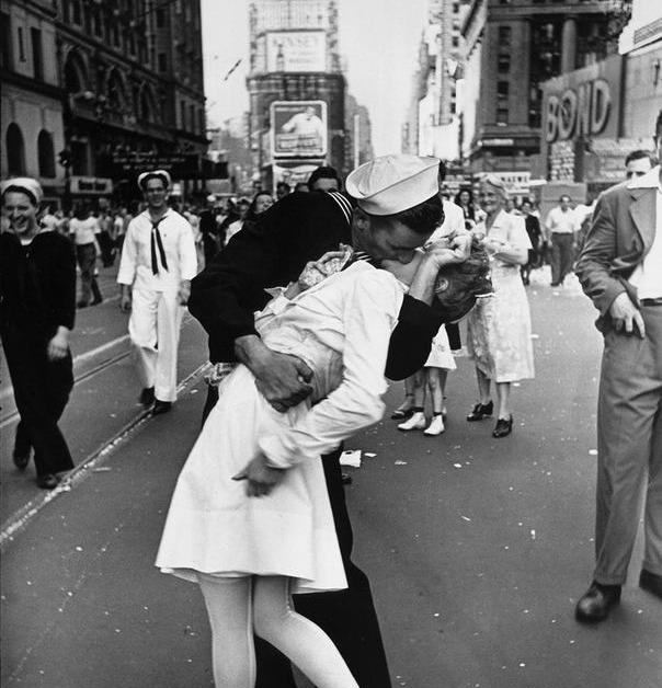 heartwarming war photos 12