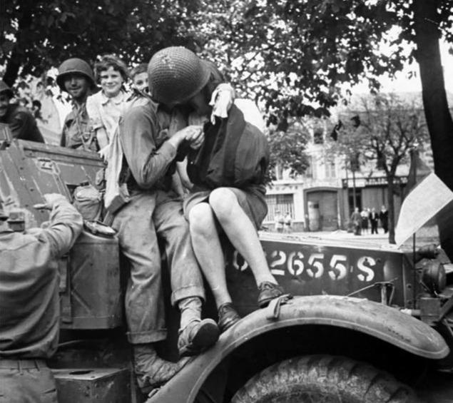 heartwarming war photos 17