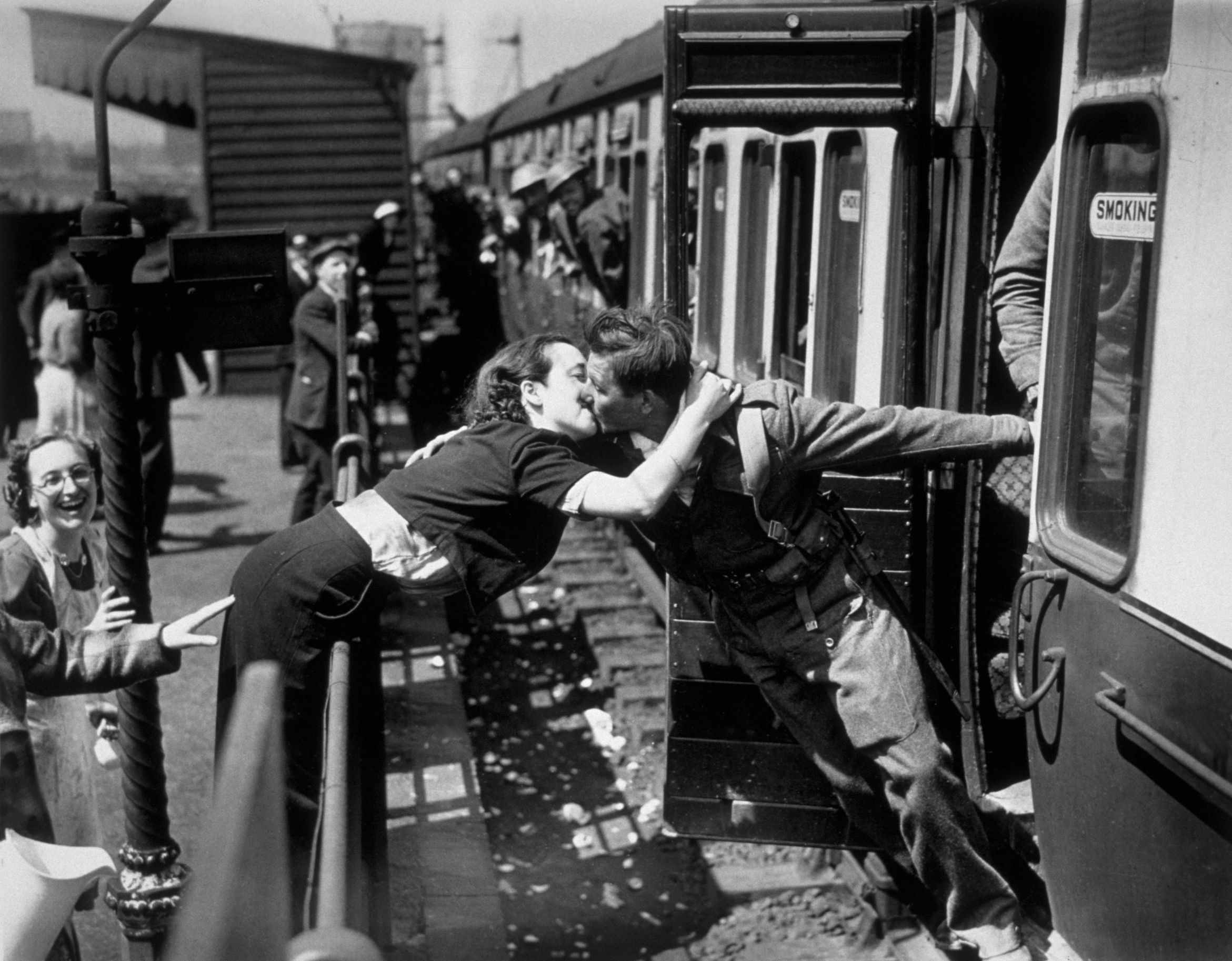 heartwarming war photos 20