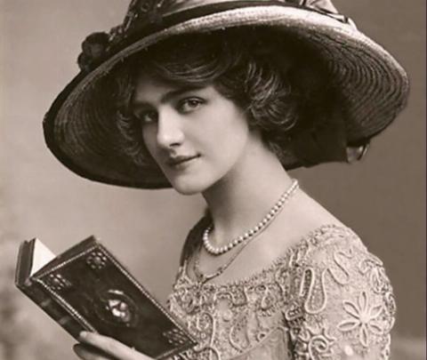woman reading a book around 1910 fashion etiquette early twentieth century women