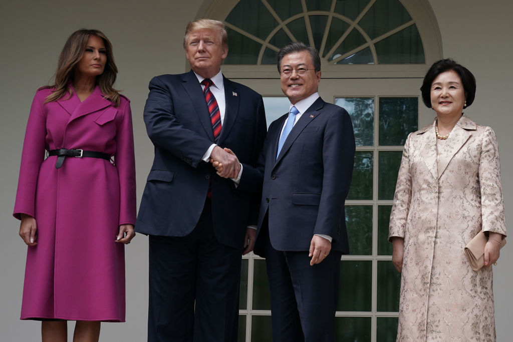 President trump with Vietnamese politician