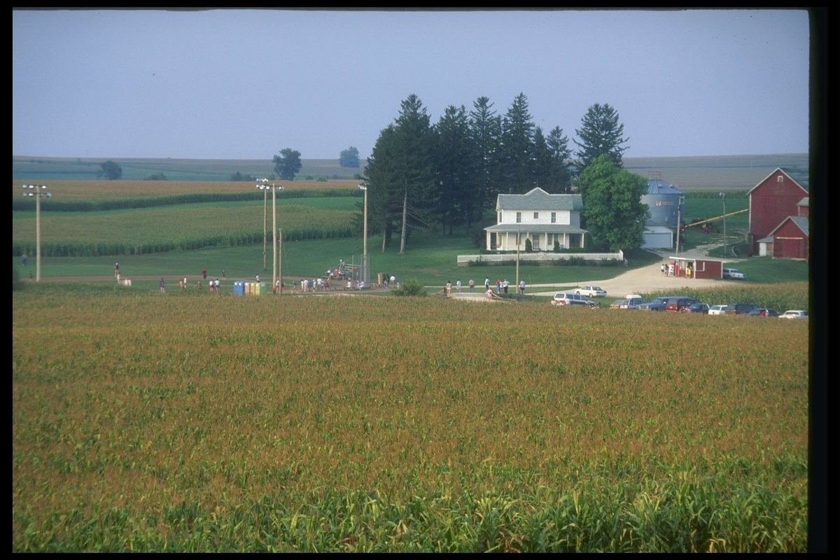 film location for field of dreams iowa
