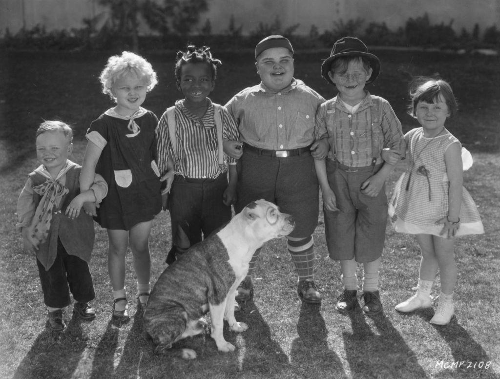 Wheezer, Jean Darling, Farina, Joe Cobb, Harry Spear, Mary Ann Jackson and Patsy the dog
