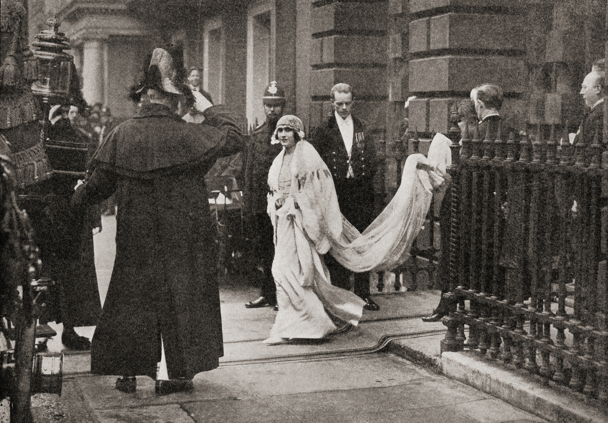 Lady Elizabeth Bowes Lyon on her way to her wedding