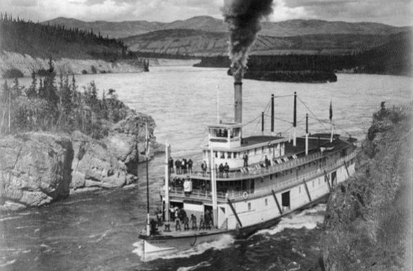 Steamboats-on-Yukon-River-21251