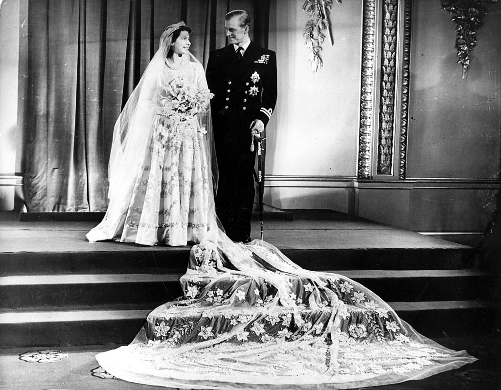 GettyImages-3294872 Princess Elizabeth, and The Prince Philip, Duke of Edinburgh at Buckingham Palace after their wedding.