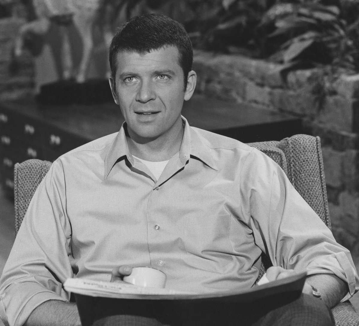 American actor Robert Reed as Mike Brady in the US TV sitcom 'The Brady Bunch'