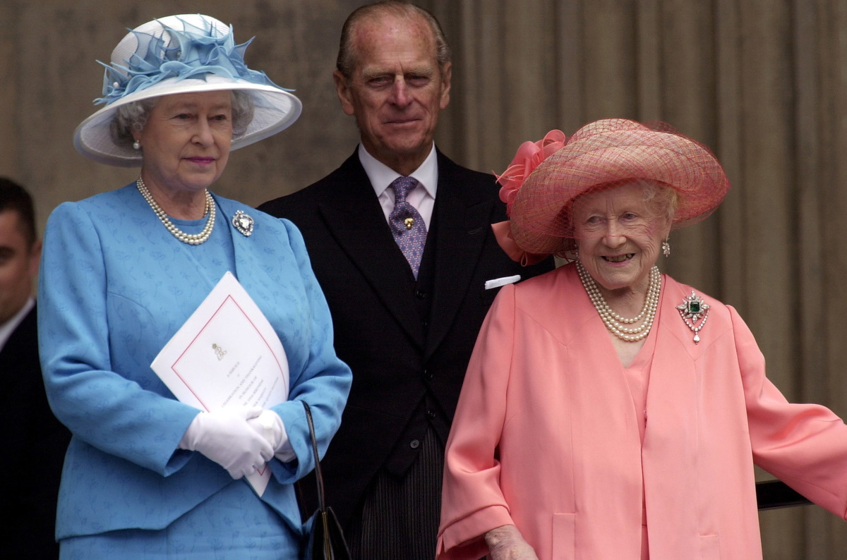 Queen , Prince Philip, Queen Mother Attending A Thanksgiving Service At St. Paul's Cathedral For The 100th Birthday Of The Queen Mother.