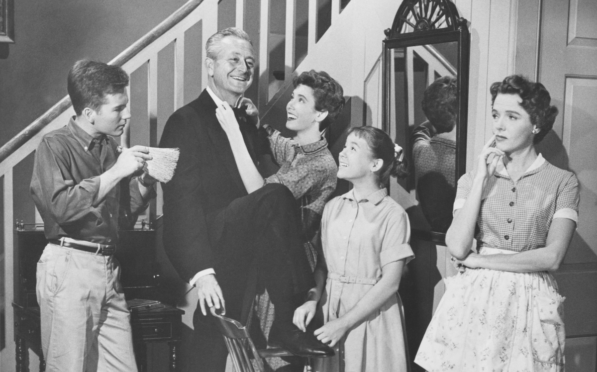 Father Knows Best from left: Billy Gray, Robert Young, Elinor Donahue, Lauren Chapin, and Jane Wyatt