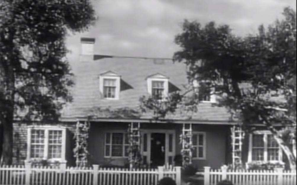 The Andersons house as displayed in the Father Knows Best opening