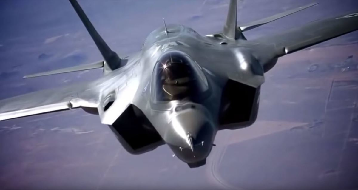 The F-35 Lightning II flying through the sky on a test ride