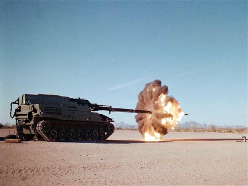 The XM2001 Crusader test firing in the desert
