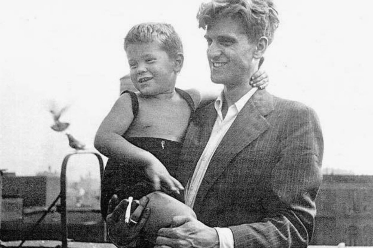 young robert de niro with dad