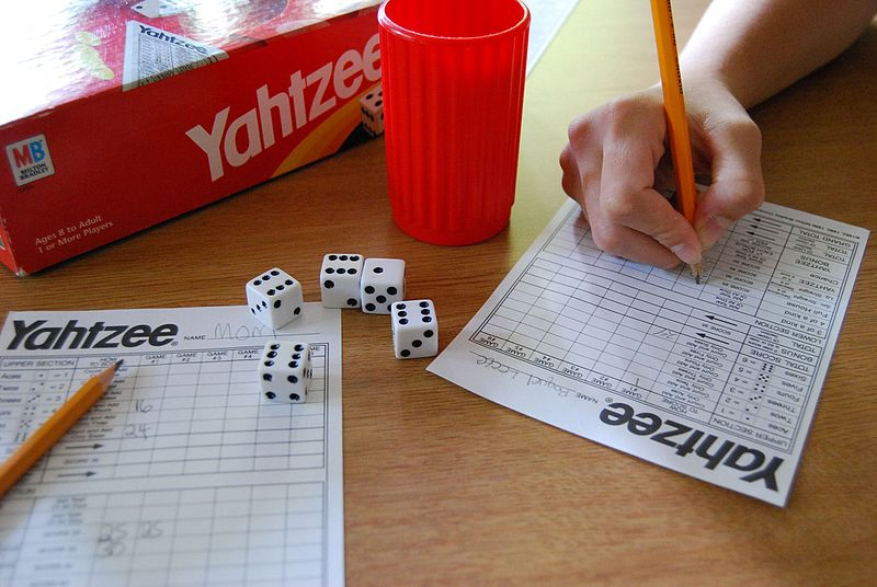 Yahtzee_game_example