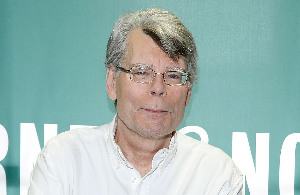 Stephen King at book signing