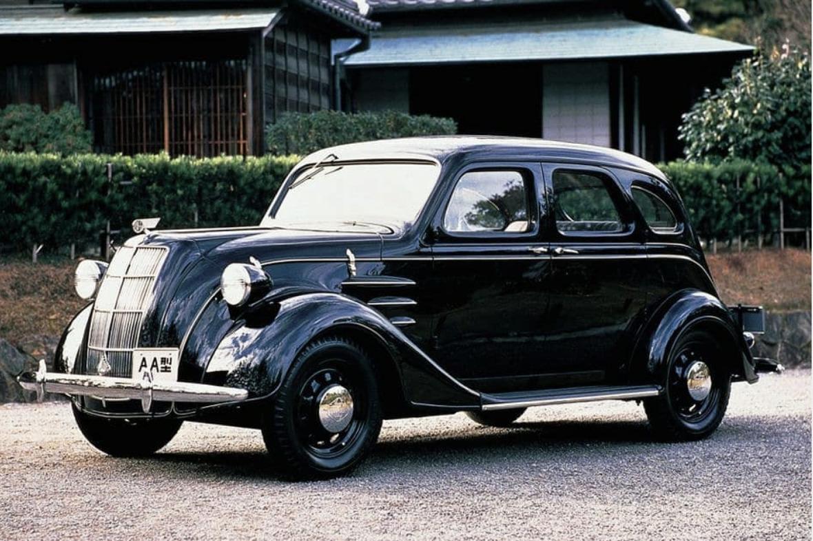 Toyota AA art deco cars