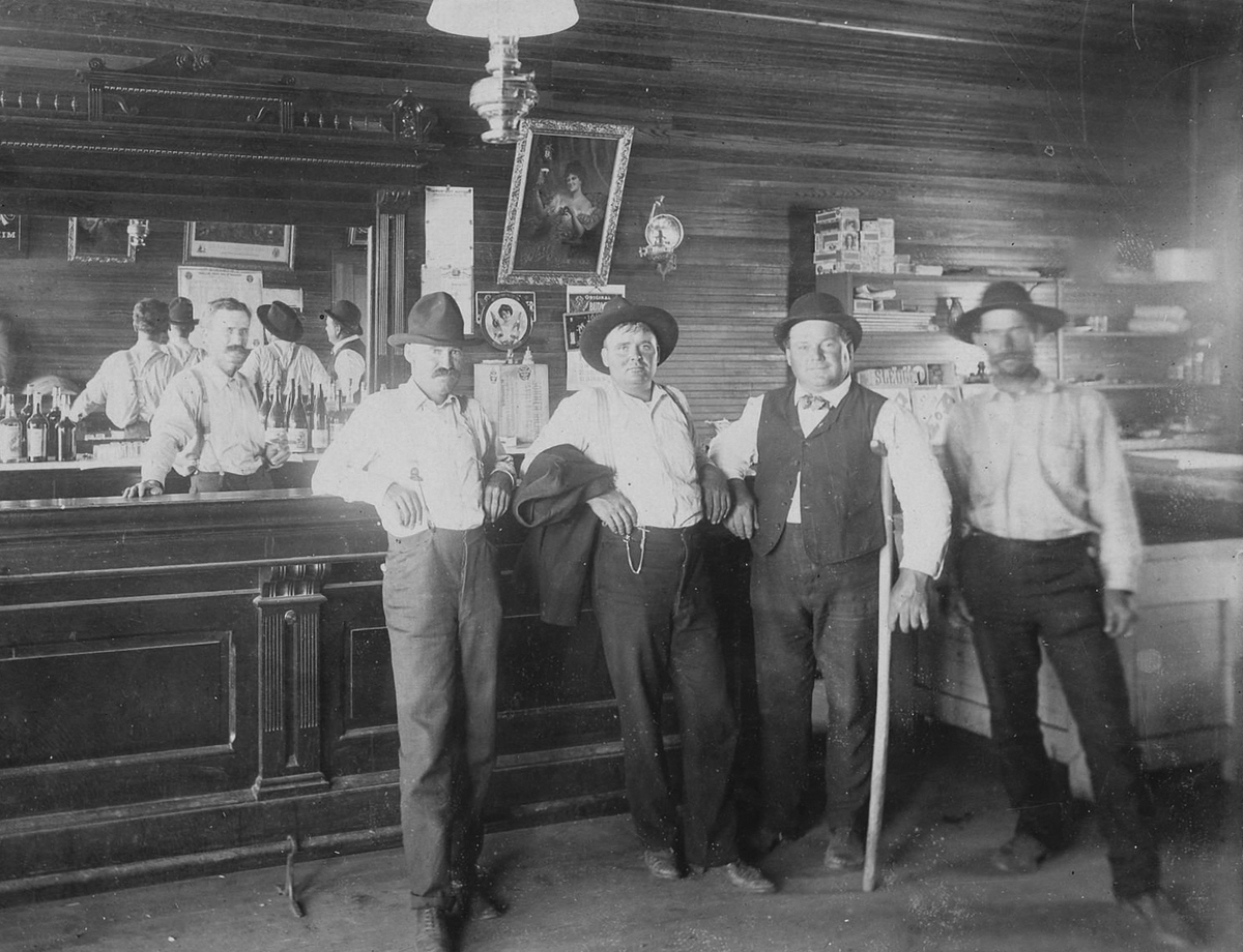 Wild West Saloon Great Signage Ca 1890S - Great Saloon Photograph Of Unknown Western Town.