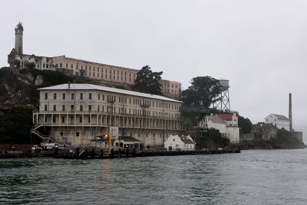 alcatraz island picture from the san fracisco bay