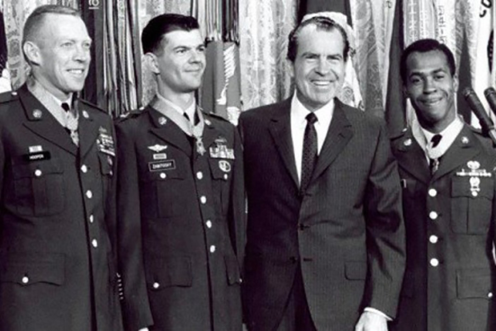 Hooper receiving the Medal of Honor