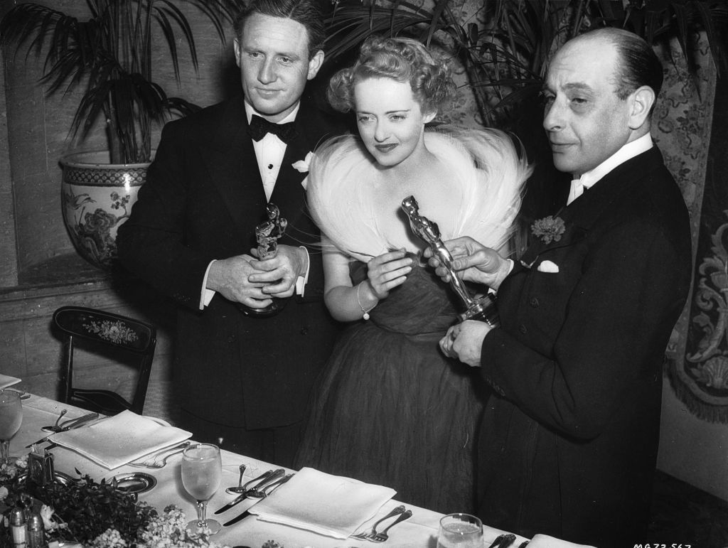 bette davis and spencer tracy receiving their oscars