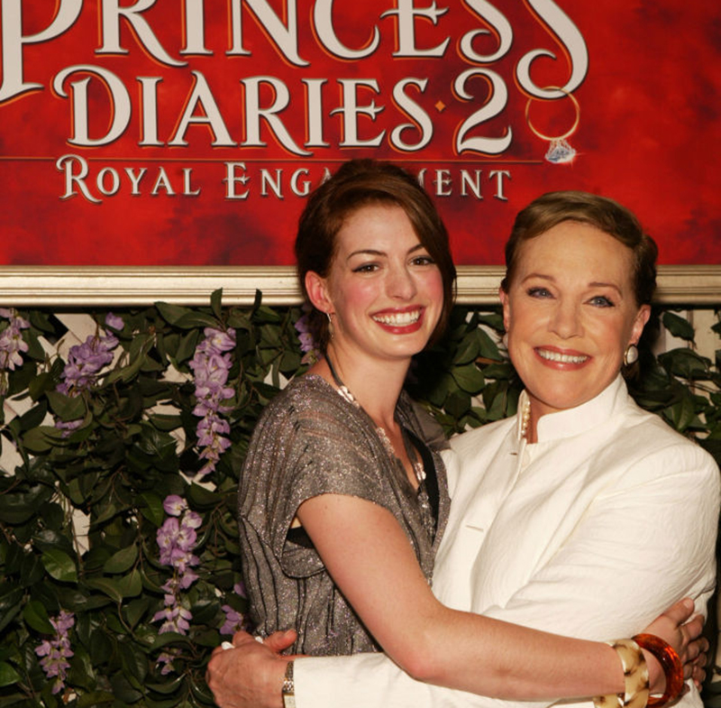 Julie Andrews and Anne Hathaway embrace a the Princess Diaries 2 premiere.