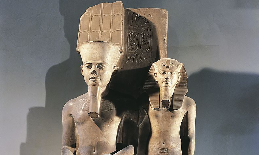 Tut and Amun statues