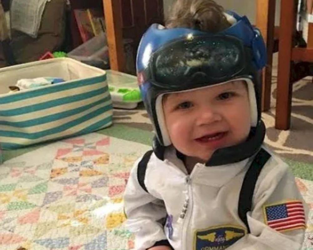 Helmet painted like astronaut