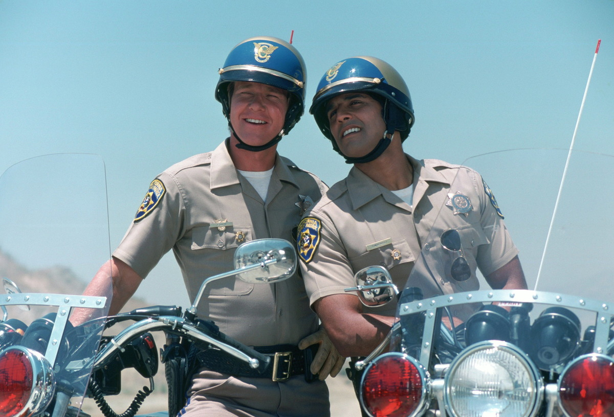 the cast of chips on bikes