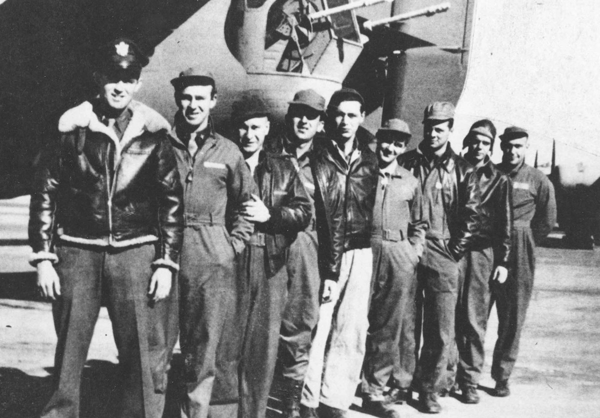 The ill-fated crew of the Lady Be Good, from the left: 1Lt. W.J. Hatton, pilot; 2Lt. R.F. Toner, copilot; 2Lt. D.P. Hays, navigator; 2Lt. J.S. Woravka, bombardier; TSgt. H.J. Ripslinger, engineer; TSgt. R.E. LaMotte, radio operator; SSgt. G.E. Shelly, gunner; SSgt. V.L. Moore, gunner; and SSgt. S.E. Adams, gunner.