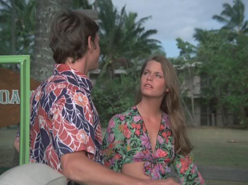 Susan Dey talks to Jack Lord in Hawaii Five-O.