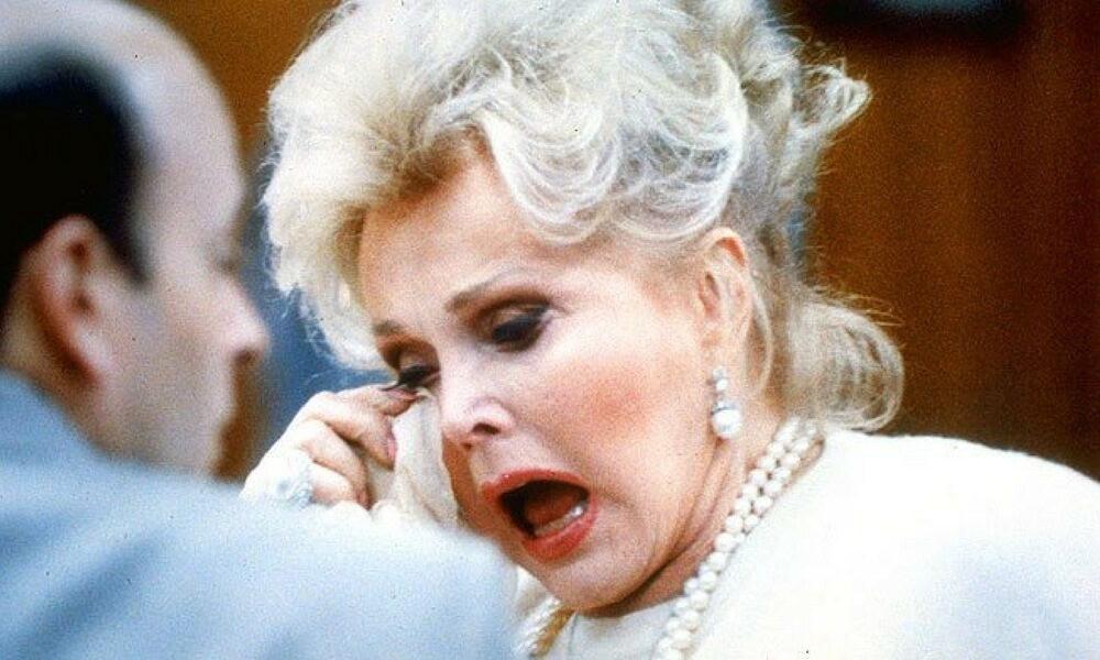 zsa-zsa-gabor-crying-101463-31102