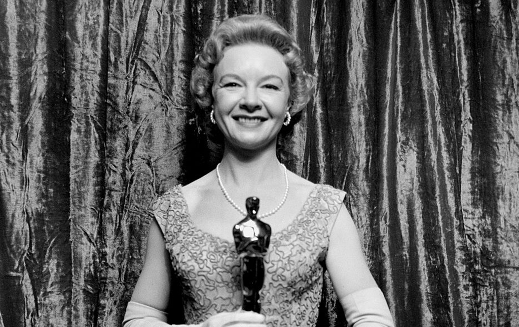 Jo Van Fleet with an Oscar