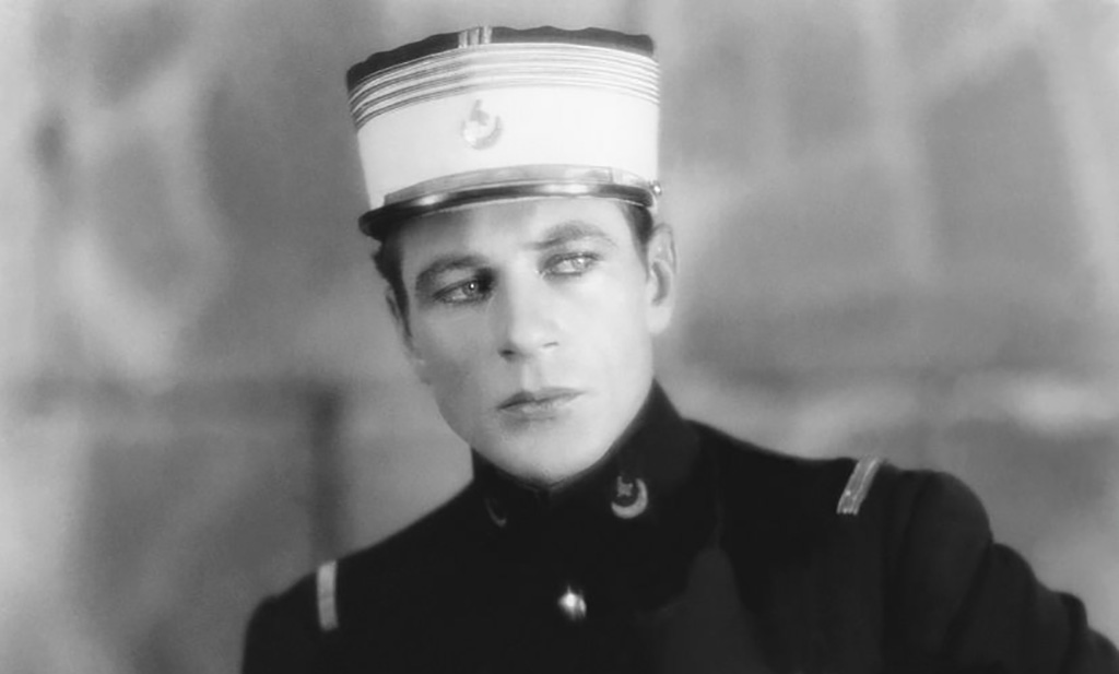 Gary Cooper dressed as a soldier