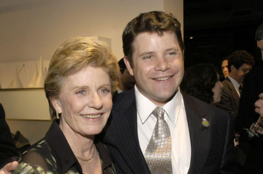 Patty-Duke-Sean-Astin-3175129
