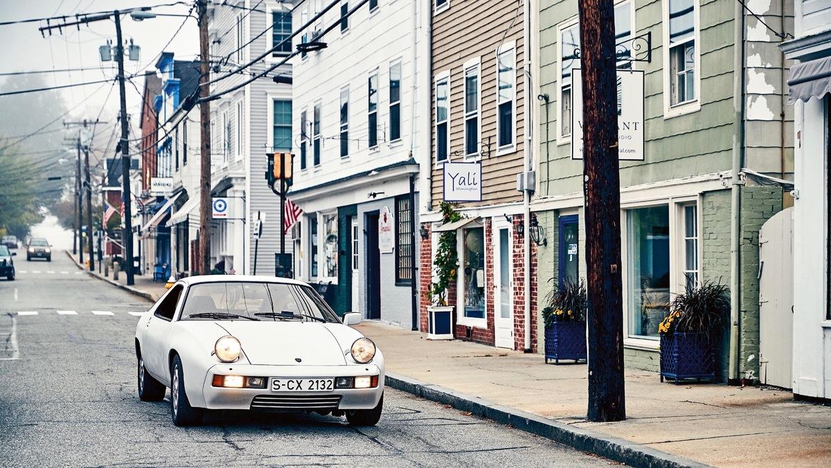 Porsche 928 - 1977