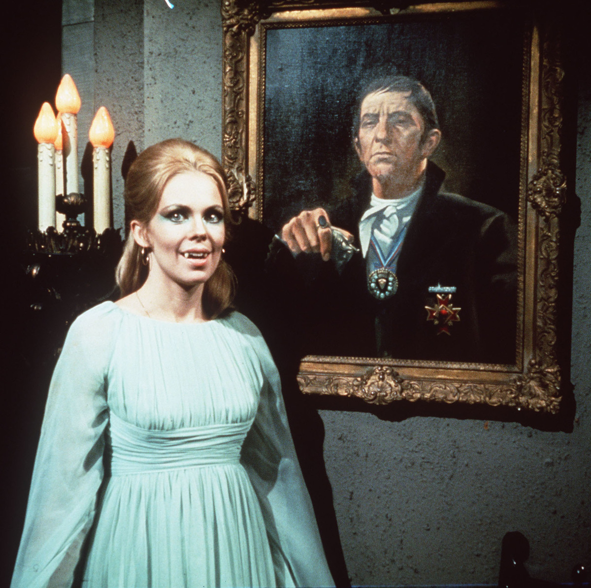 dark shadows was shot in color
