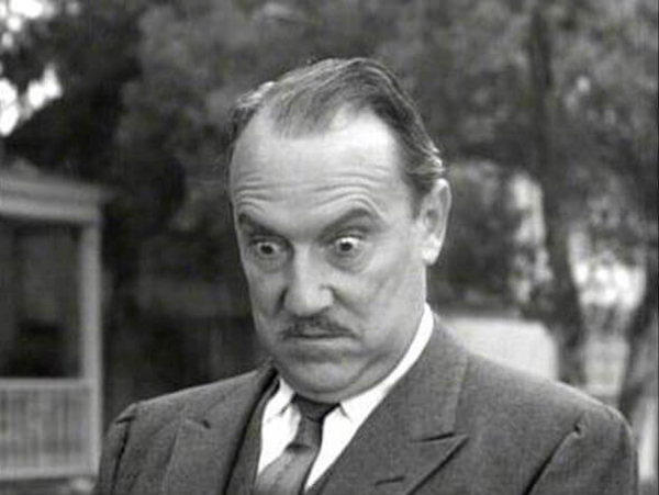 Gale-Gordon-in-suit-outside.opt392x294o00s392x294-22410-64376
