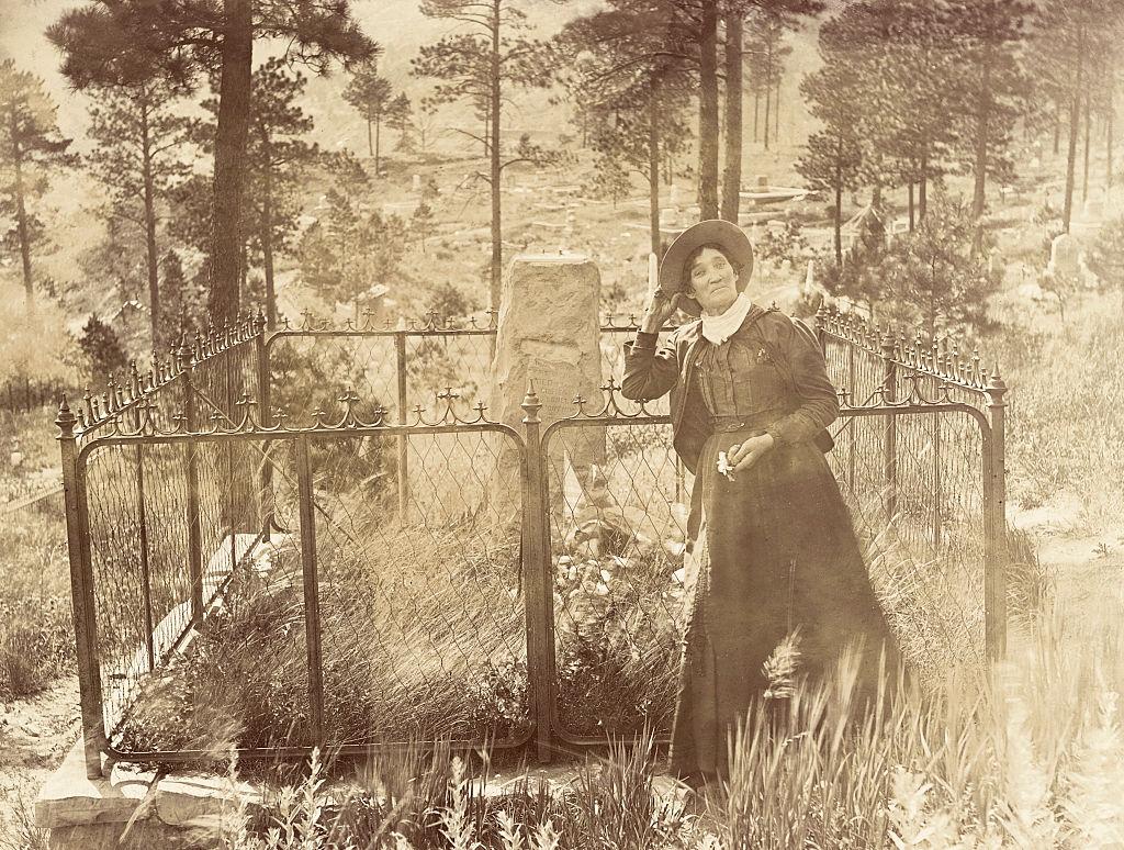 calamity jane at bill hickok's grave