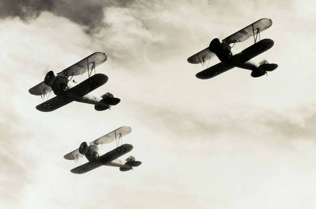 WWI planes in the sky