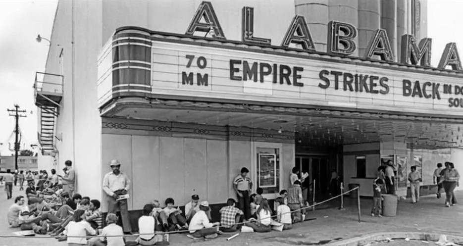 empire-strikes-back-opening-in-houston-1980