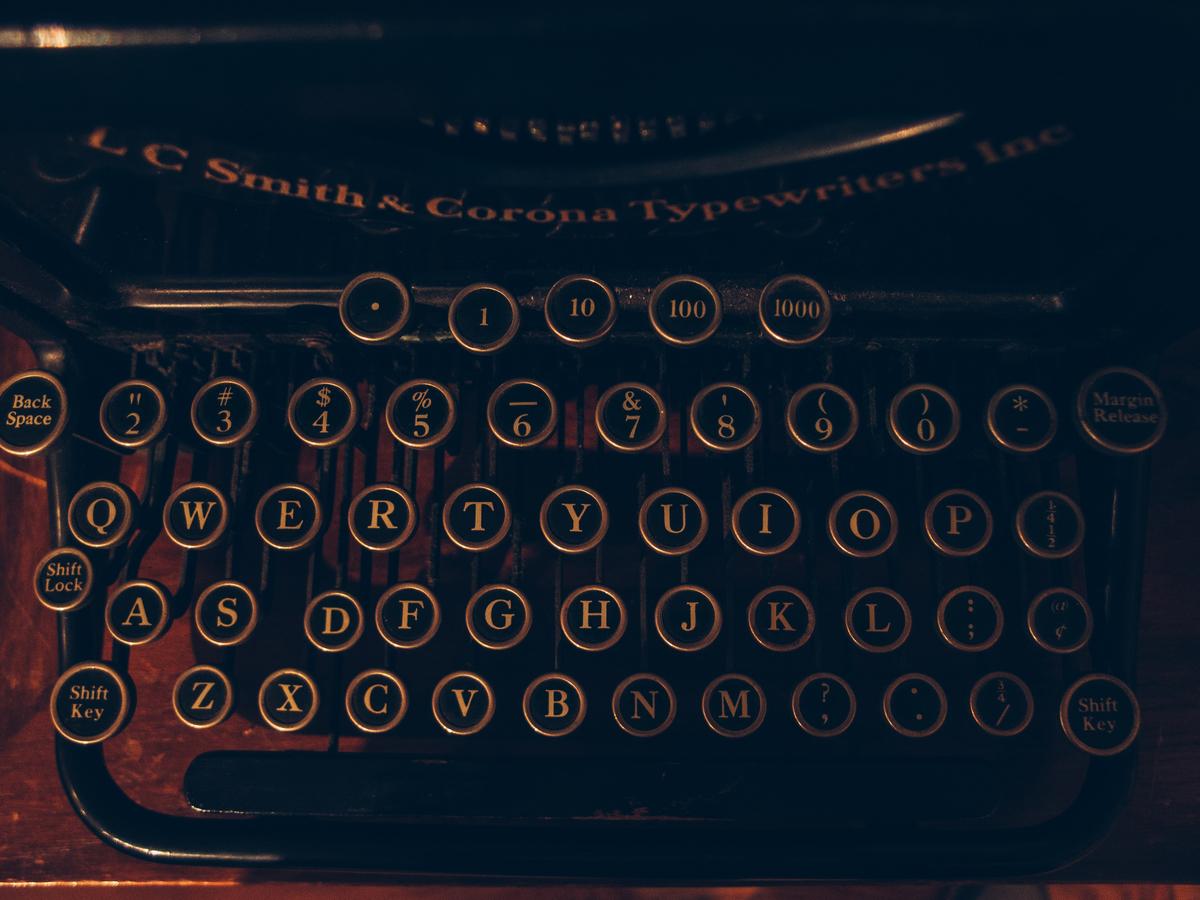 typewriter-01
