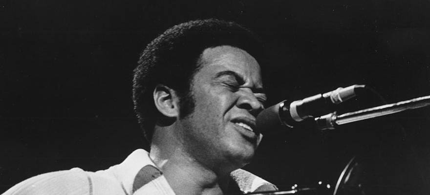 Bill-Withers-Performing-Featured-74301237