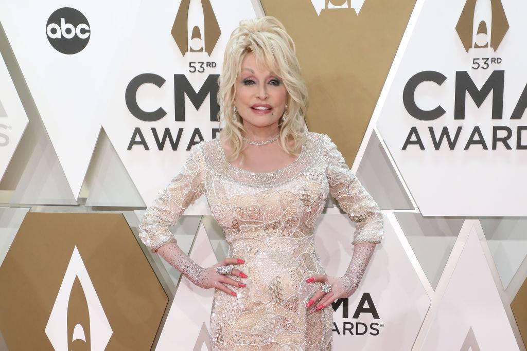 Dolly-Parton-Long-Sleeves-1187576025