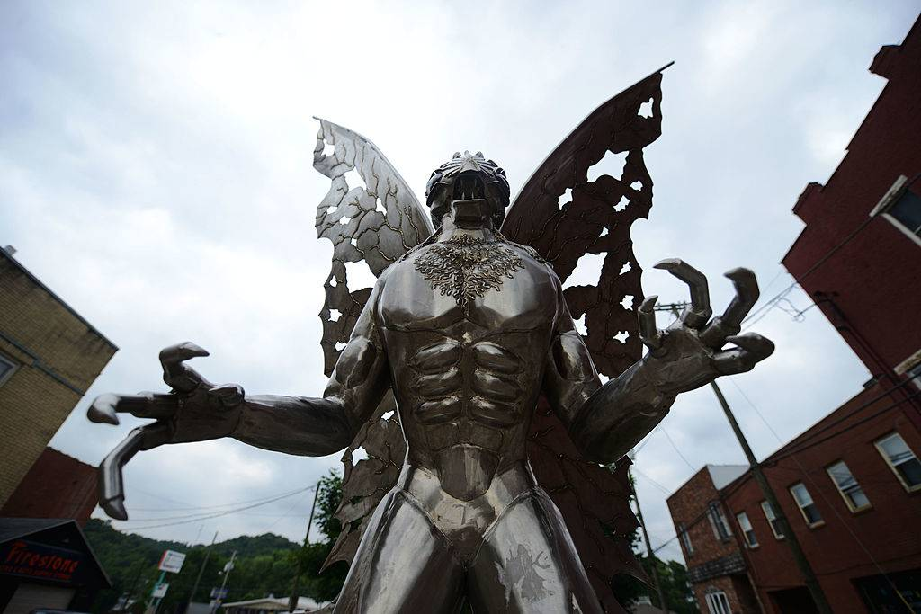 Statue of Mothman -171019547